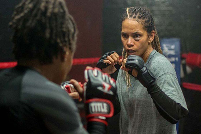 "Fragman: Halle Berry'nin MMA Filmi ""Bruised"""
